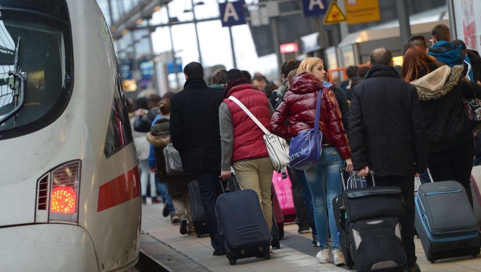 Bahnreisende in NRW: Auch am Mittwoch kommt es zu Zugausfällen