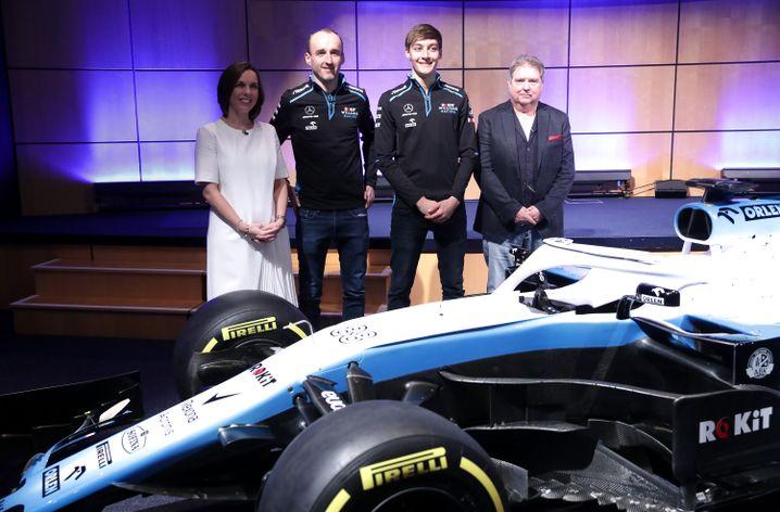 Präsentation des neuen Williams mit Robert Kubica (zweiter von links)
