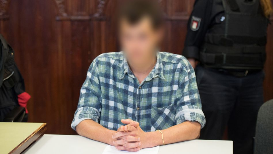 Angeklagter vor dem Amtsgericht Hamburg-Altona