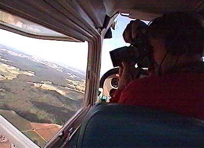 Dokumentieren und Verzeichnen: Luftbildarchäologe Klaus Leidorf bei der Arbeit