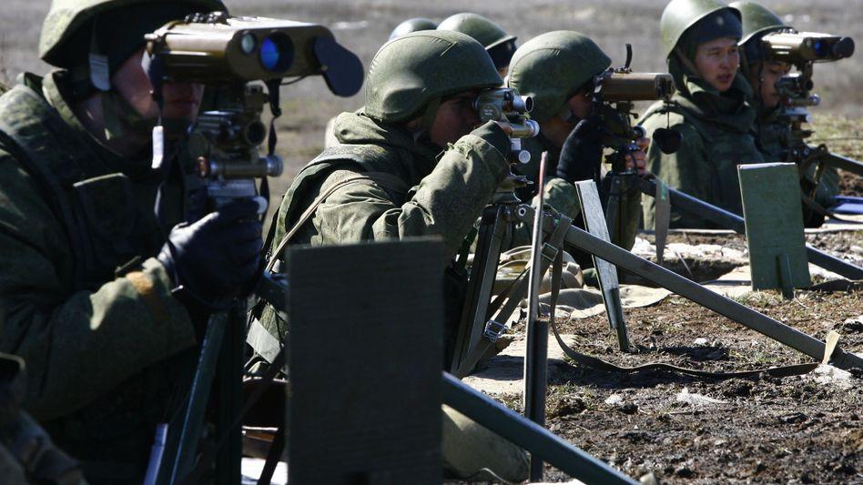 """Russische Soldaten im Manöver: """"Schutz der eigenen Sicherheit"""""""