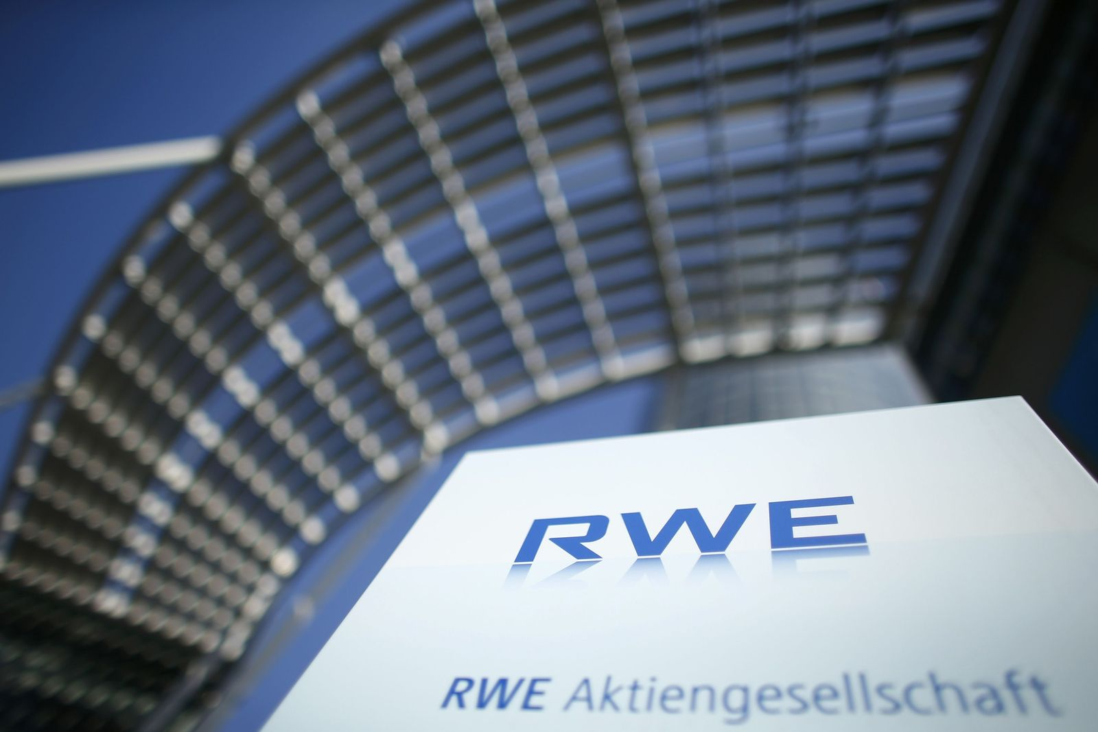 Symbolbild SEO / RWE / Top 10 der Kapitalvernichter