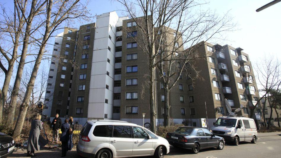 Analog unauffällig, digital umso radikaler: Wohnhaus von Arid U. in Frankfurt