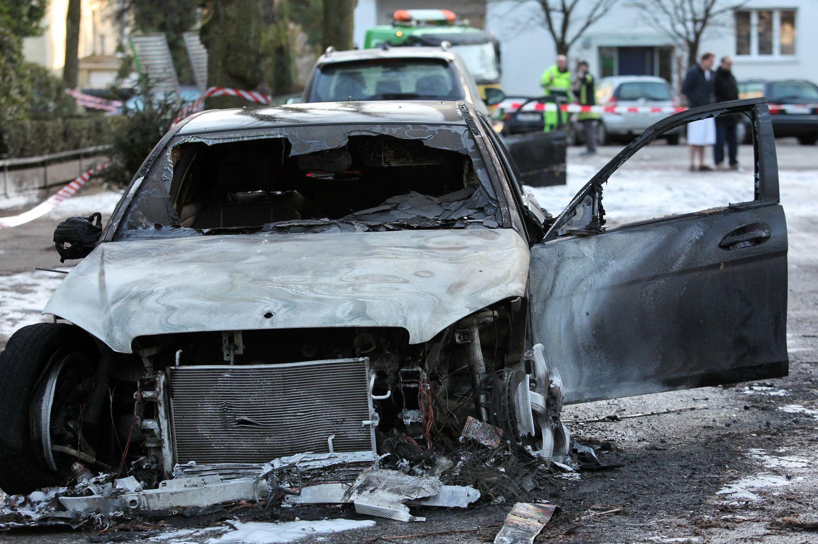 Wieder brennende Autos in Hamburg