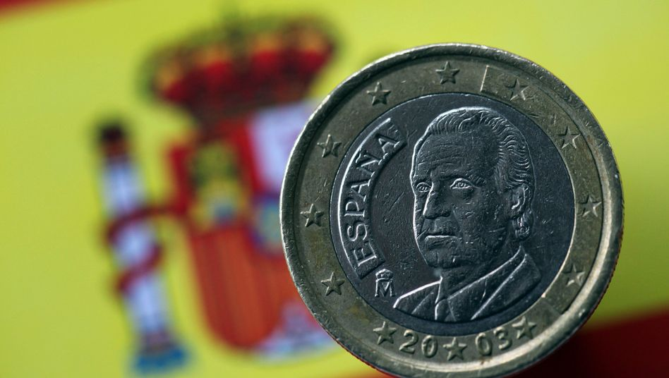 A Spanish euro coin: The country must take bailout money, German editorialists argue.
