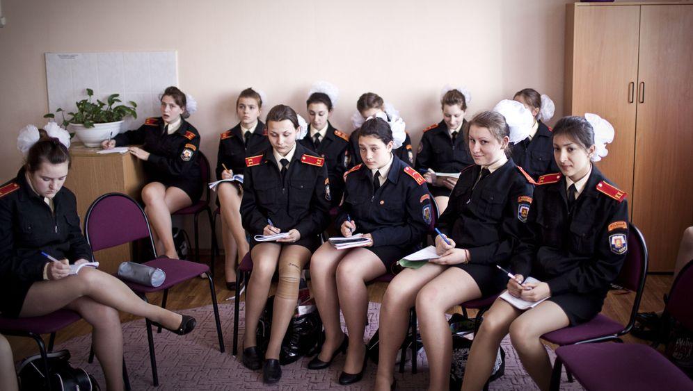Russland: Kadettenschule für Mädchen