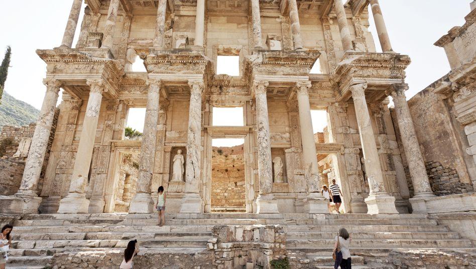 Touristenattraktion Celsusbibliothek in Ephesos