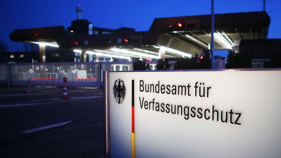 Bundesamt für Verfassungsschutz: Chaos zu Beginn