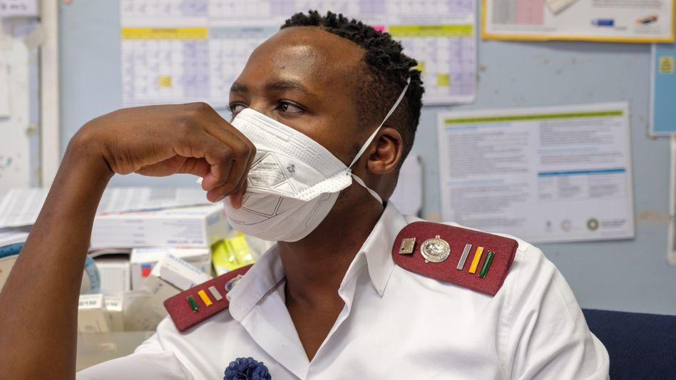 """Pfleger Ntshikose:""""Wir sind schon jetzt überlastet"""""""