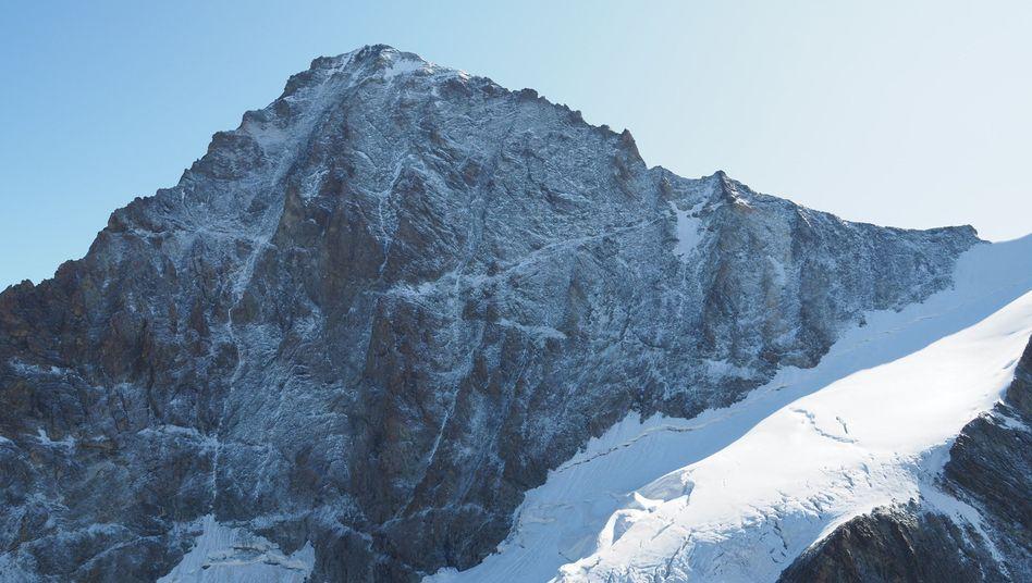 Blick auf den Dent Blanche: Zwei deutsche Bergsteiger sind in der Schweiz ums Leben gekommen