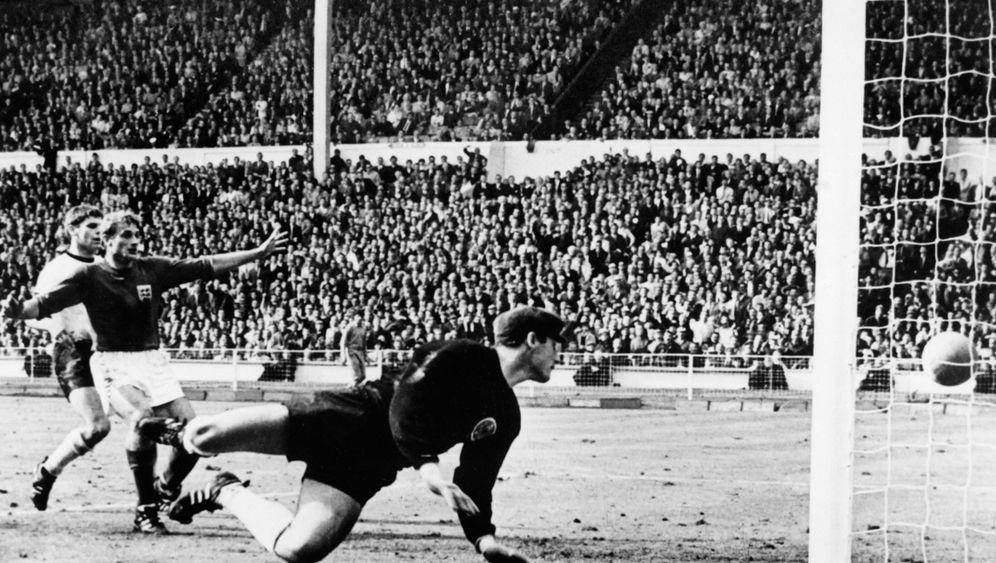 "Umstrittenes Fußball-WM-Tor: ""Is goal, goal, goal!"""
