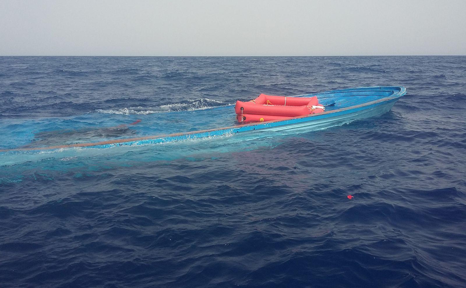 Sea Watch:Bergung von Flüchtlingen im Mittelmeer