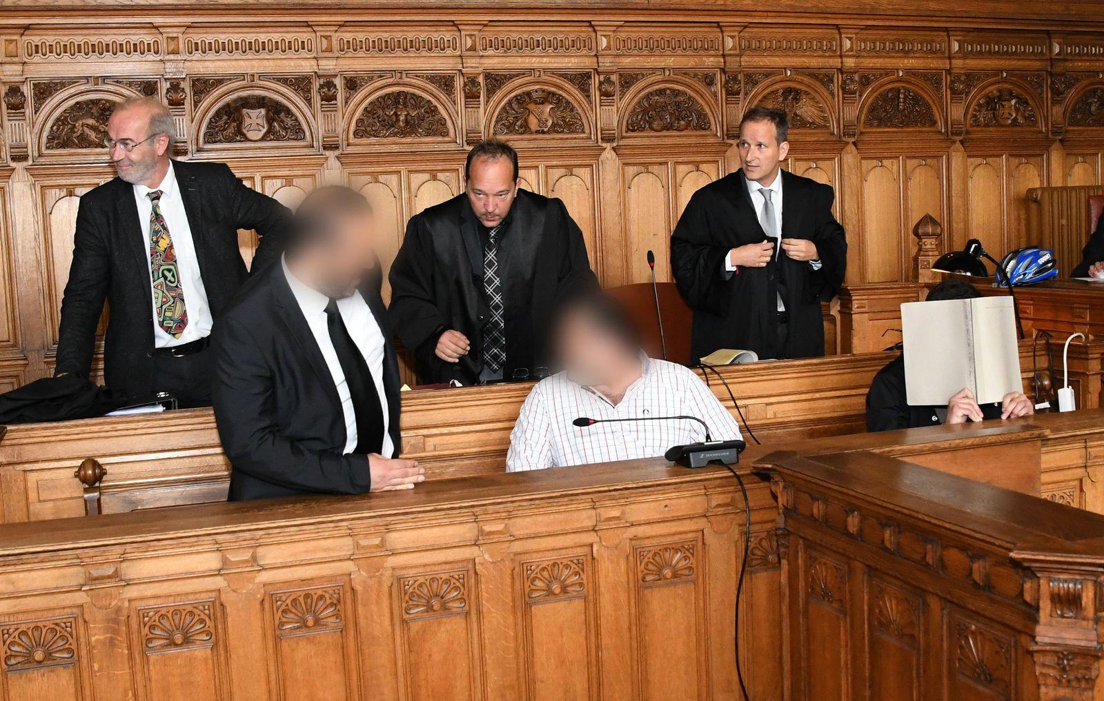Prozess gegen drei Männer wegen Totschlag