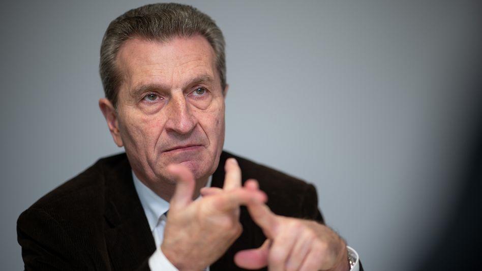"""Früherer EU-Kommissar Oettinger: """"Ich prüfe das Angebot genau"""""""