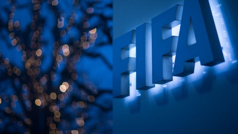 Der Fußball-Weltverband FIFA hat sich gegen mögliche Superligen gewehrt