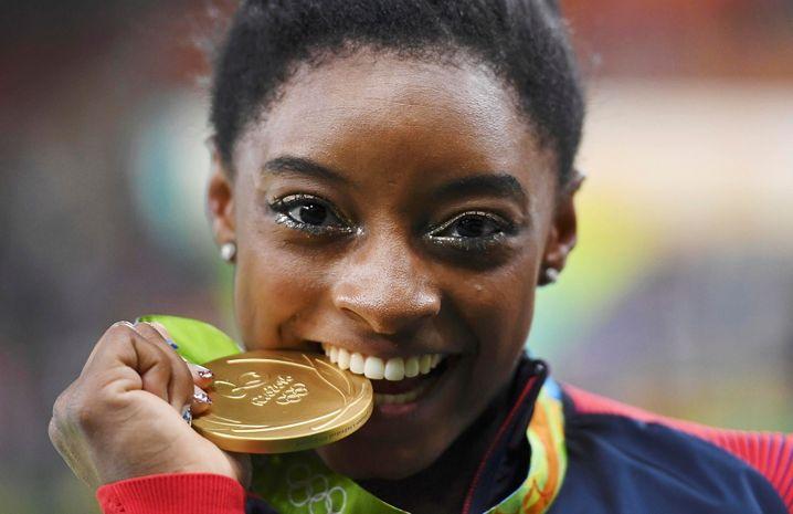 Goldmedaillengewinnerin Biles in Rio 2016