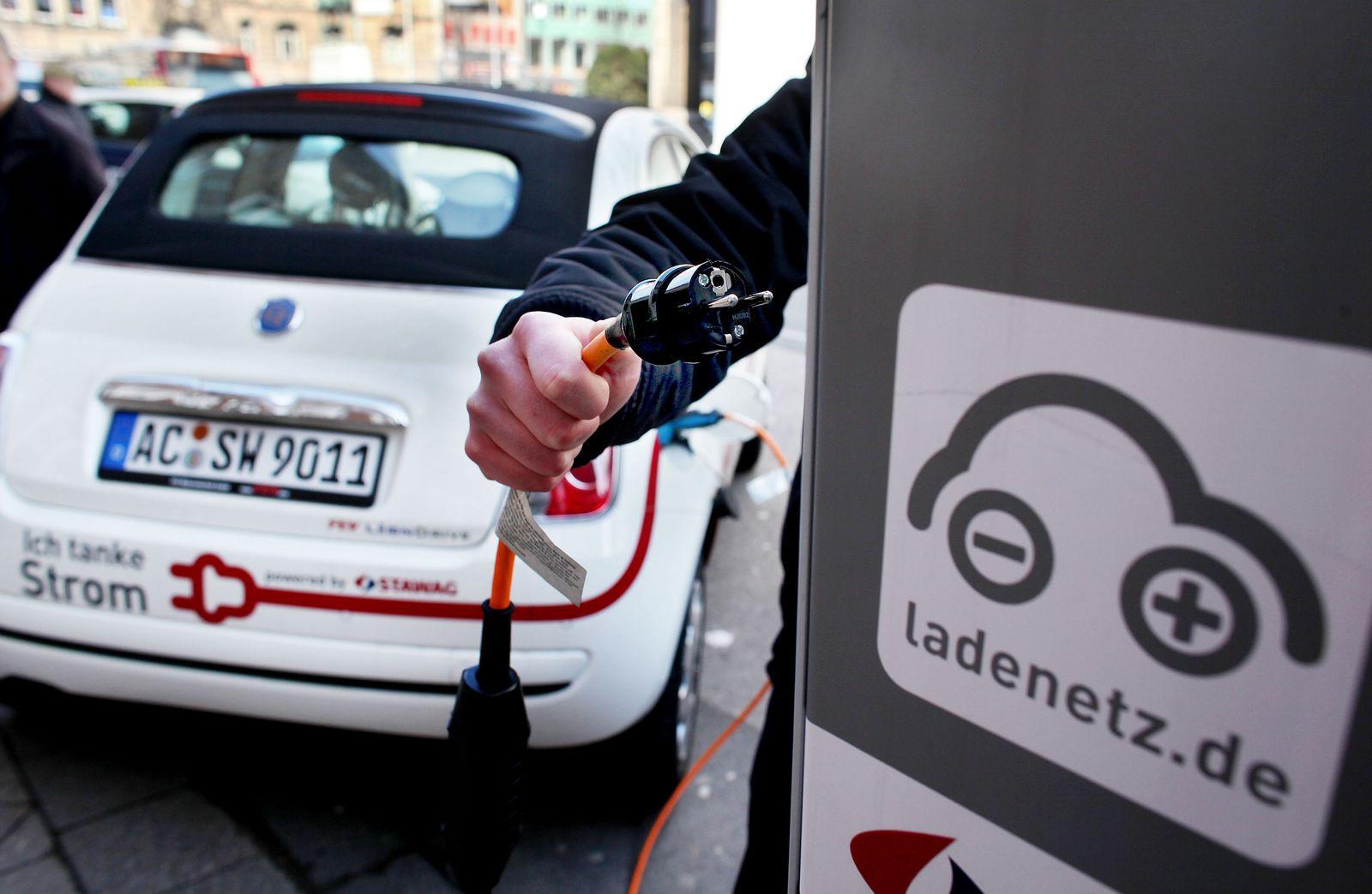 Elektro-Autos / Elektroauto