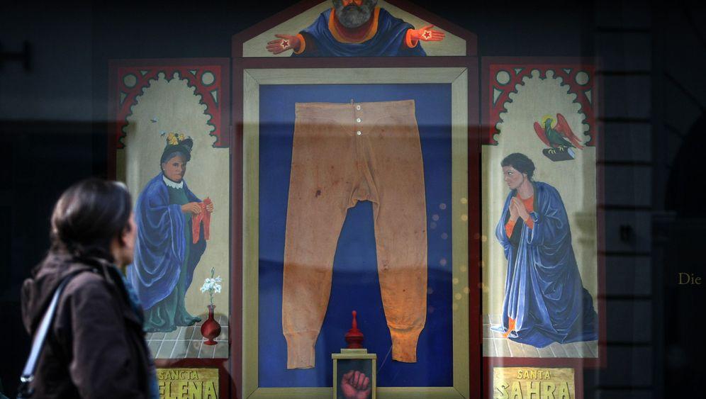 Kunstprotest in Trier: Marx, Hitler und der Papst