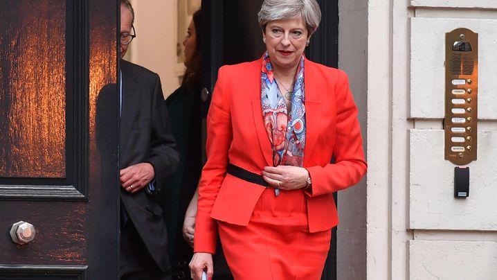 GB-Wahl: Schwarzer Abend für May, Jubel bei Corbyn