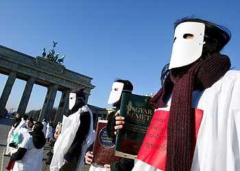Demo (vor dem Brandenburger Tor): Keine Chance, etwas zu verändern