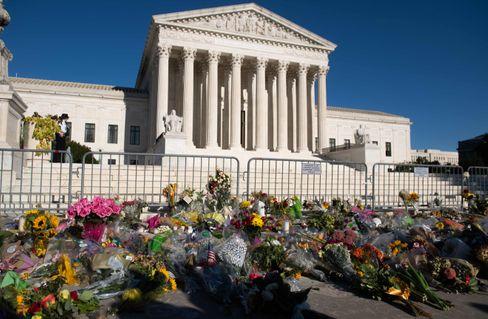 Trauerbekundungen vor dem US Supreme Court in Gedenken an Ruth Bader Ginsburg