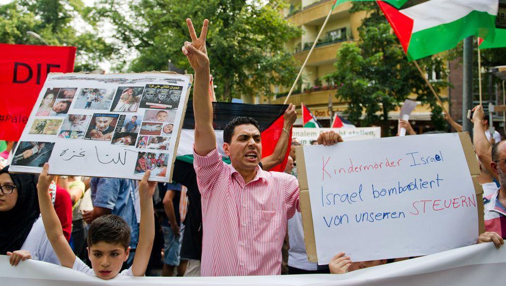 """Proteste in Deutschland: """"Kindermörder Israel"""""""
