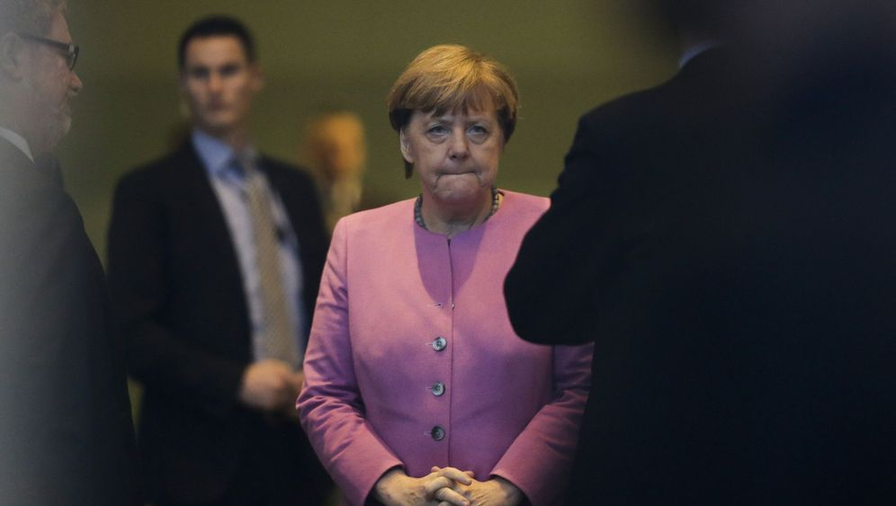 Why Has Angela Merkel Staked Her Legacy on the Refugees? - DER SPIEGEL