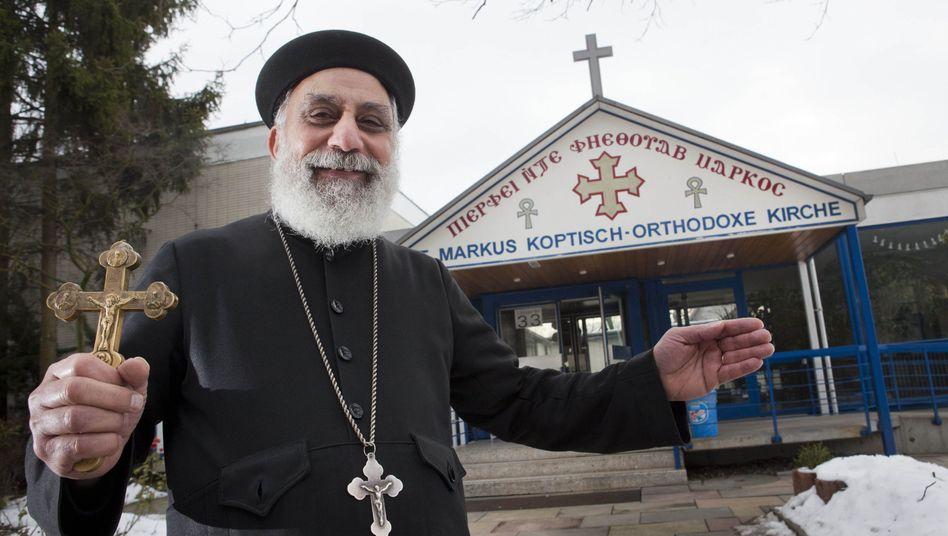 Vater Pigol Bassili von der koptischen Gemeinde in Frankfurt: Polizeischutz zur Weihnachtsfeier