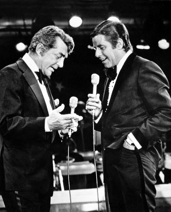 Dean Martin (links) und Jerry Lewis 1976 auf einer TV-Spendengala in Las Vegas