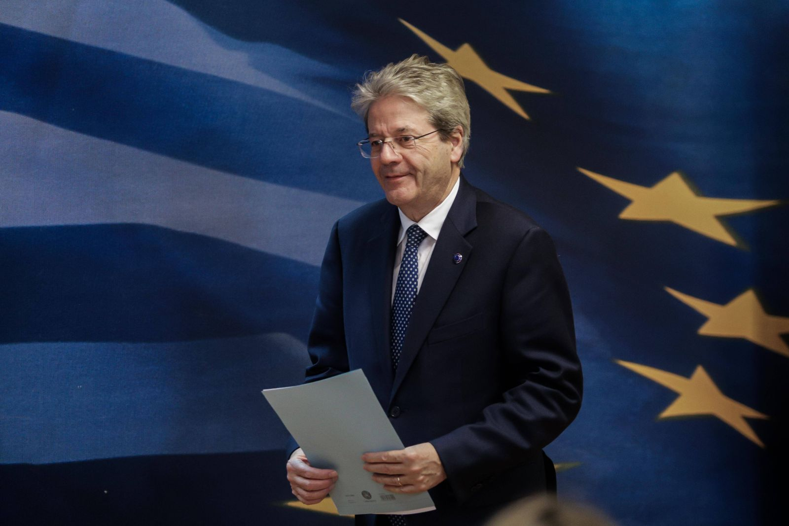 News Bilder des Tages February 6, 2020, Athens, Greece: Greece s Finance Minister ,Christos Staikouras , speaks with the