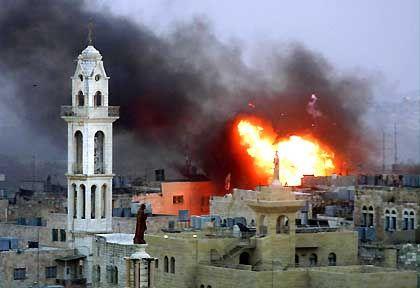 """Explosion in Betlehem: """"Der Nahost-Konflikt geht vor... Bushs Prioritätensetzung ist für mich unverständlich"""""""