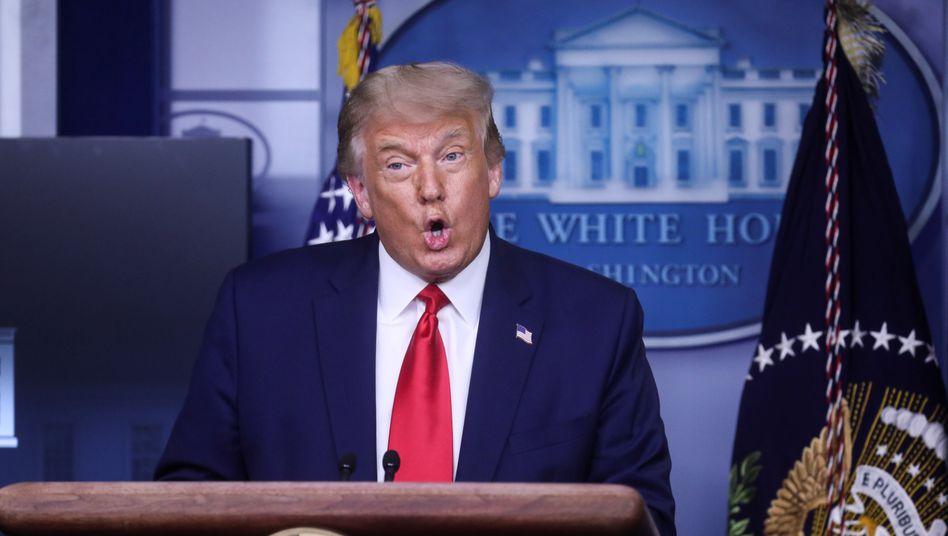 Donald Trump beim News-Briefing im Weißen Haus