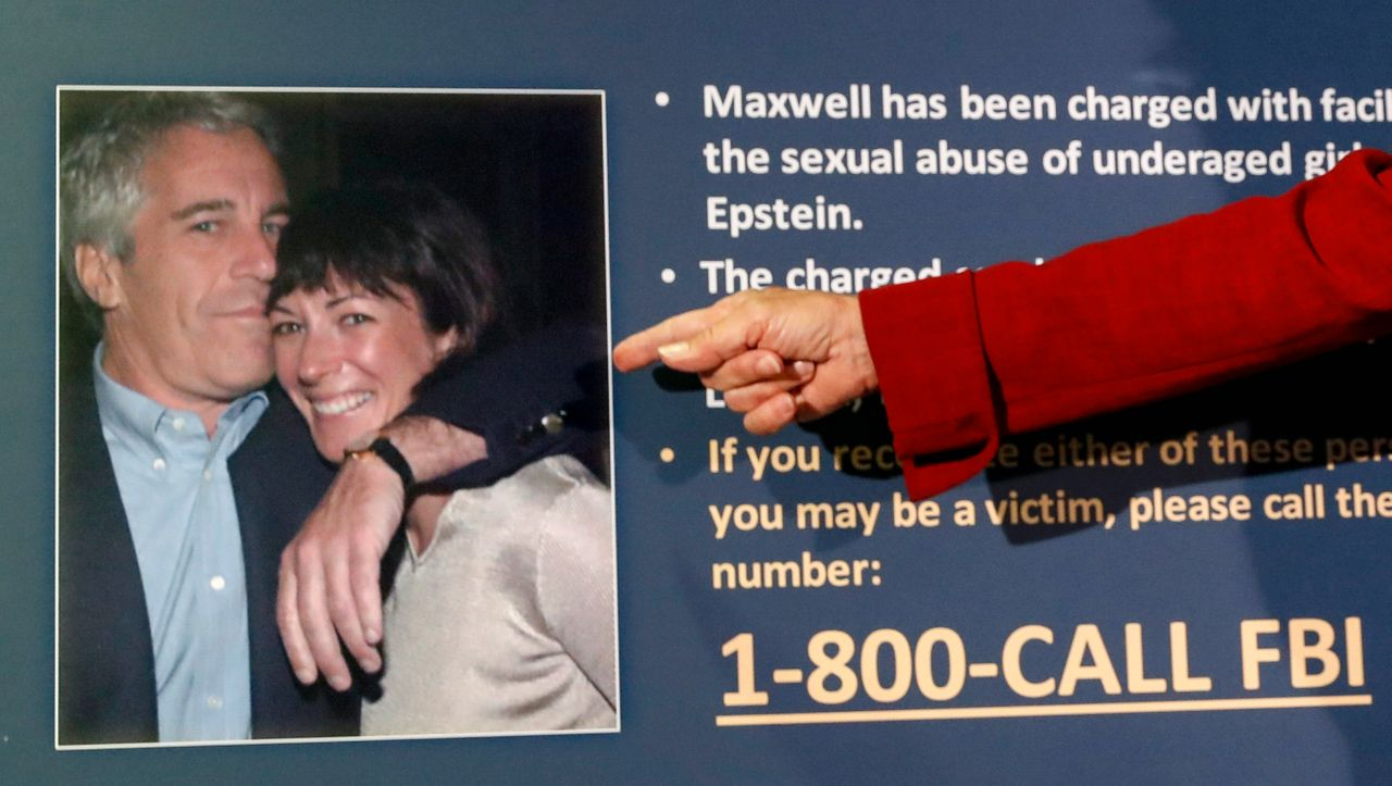 Ex von Jeffrey Epstein: Ghislaine Maxwell bietet fünf Millionen Dollar Kaution