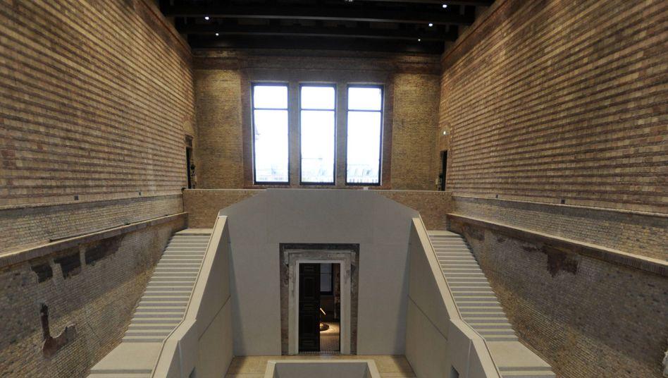 Neues Museum Berlin (2009): Ausstellung muss umgebaut werden