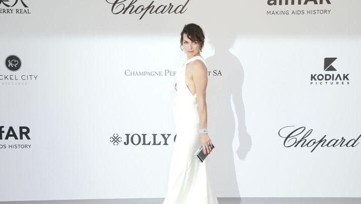 "Milla Jovovich: ""Wünscht mir Babyglück!"""