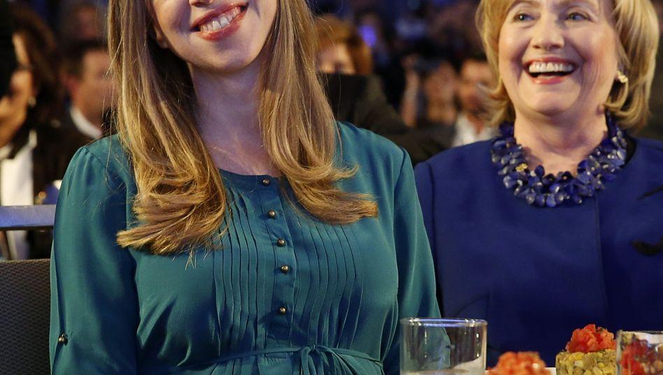 """Chelsea Clinton (l.) mit Mutter Hillary: """"Voller Liebe und Dankbarkeit"""""""