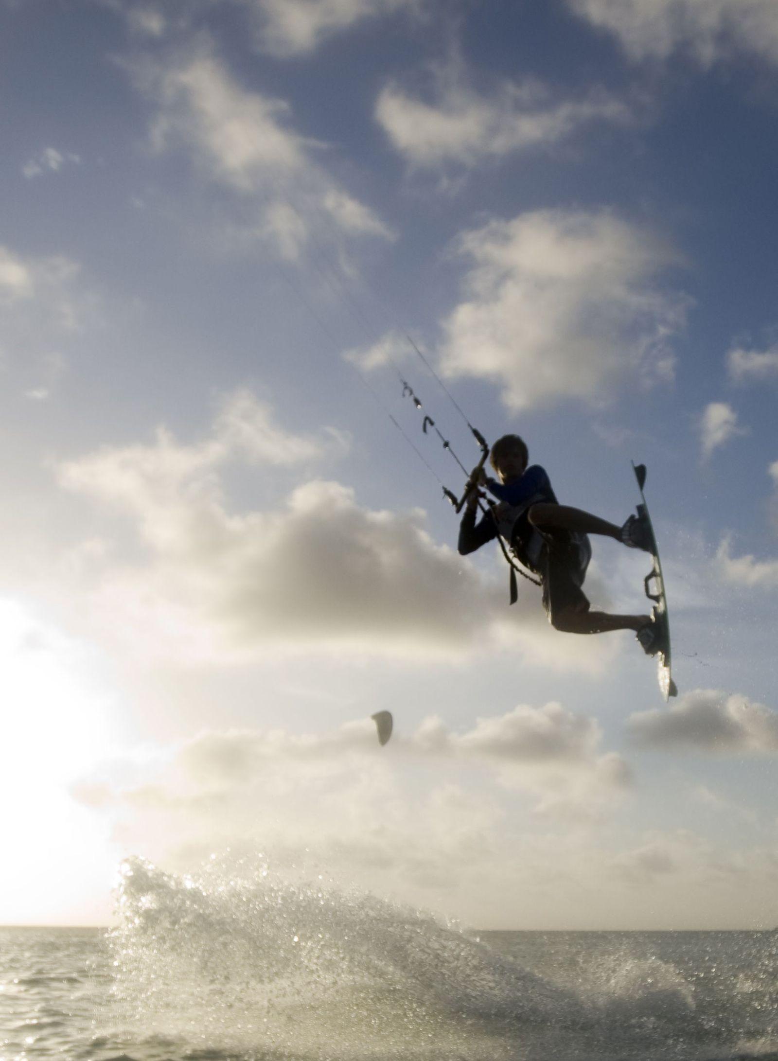 Kitesurfer / Sprung