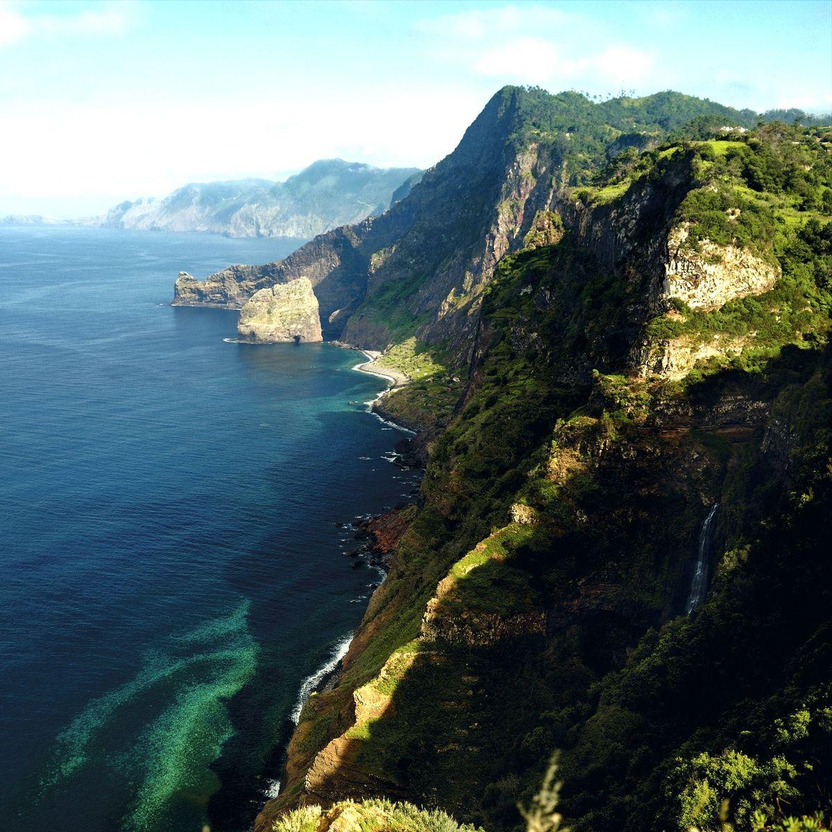Atlantikinsel Madeira: Wildniswandern an der Betonrinne