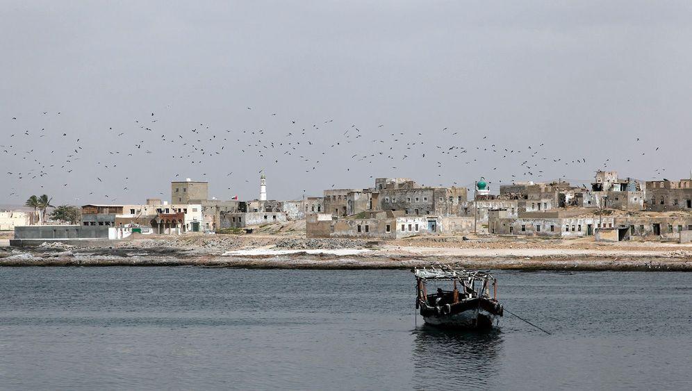 Tauchen in Oman: Geheimnisvolle Wracks, neugierige Muränen