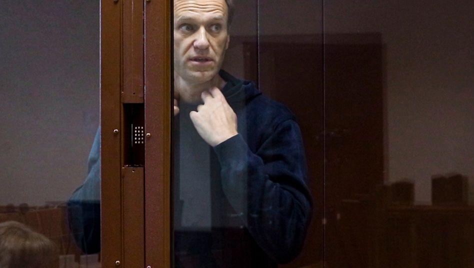 Alexej Nawalny: »Auf dem Bett, mit einer Bibel in der Hand«