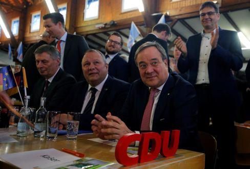 """Laschet zu Parteikollegen in Kirchveischede: """"Der Parlamentarismus wurde lächerlich gemacht"""""""