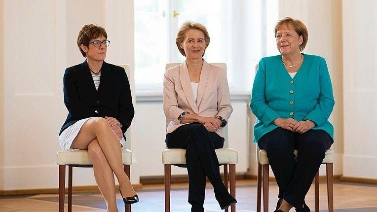CDU-Politikerinnen Kramp-Karrenbauer, von der Leyen, Merkel