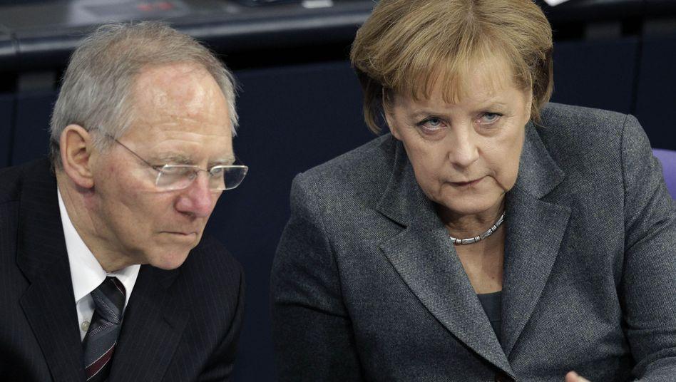 Finanzminister Schäuble, Kanzlerin Merkel: Müssen alle Kontakte abgesegnet werden?