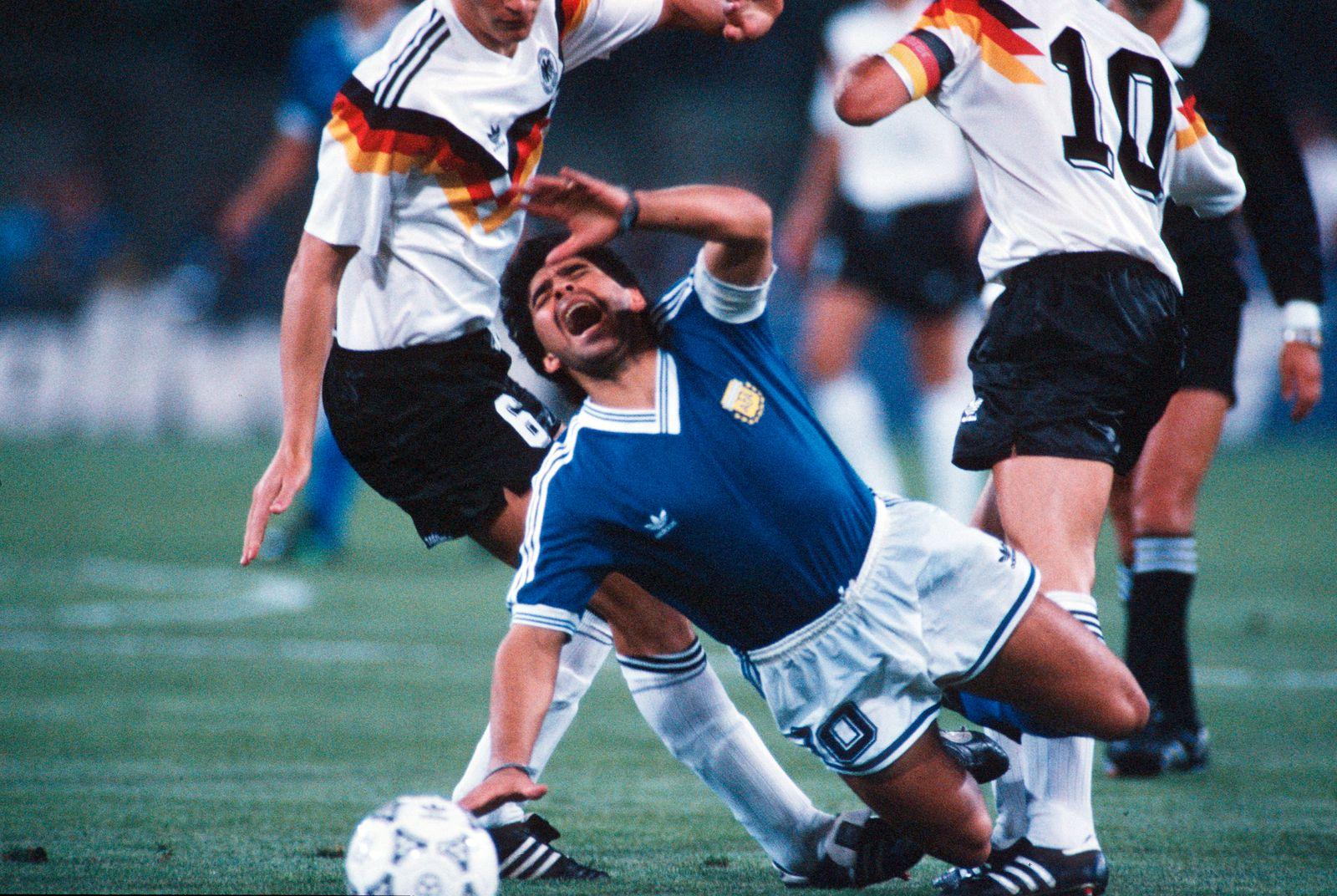 ITA: World Cup 1990 - Argentina v Germany