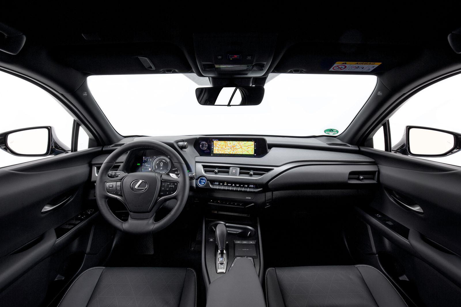 Lexus-UX-300e