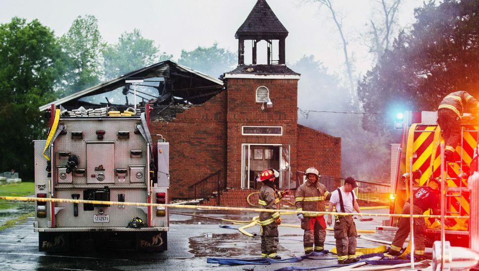 Einsatz an einer der drei Kirchen in Louisiana: Das Feuer in Notre-Dame verstärkte die Spendenbereitschaft