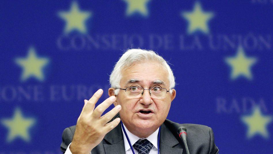 """EU-Kommissar John Dalli: """"Wir brauchen ein Rauchverbot in allen öffentlichen Räumen"""""""