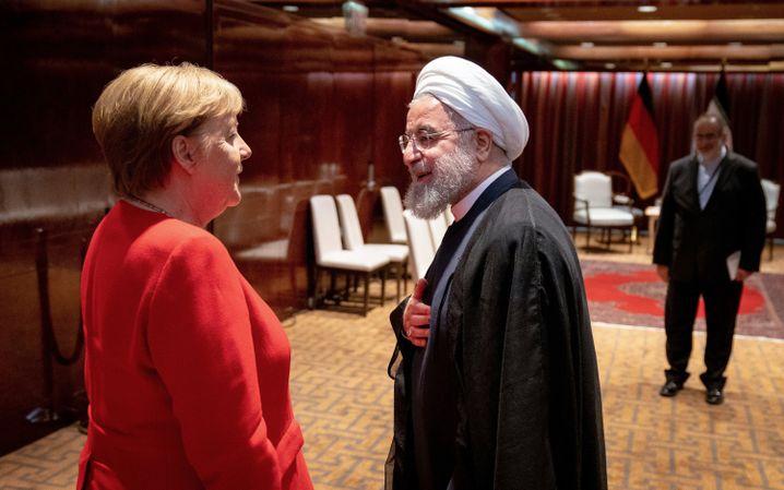 Merkel am Rande der Generaldebatte der UN-Vollversammlung bei den Vereinten Nationen mit Irans Präsidenten Hassan Ruhani
