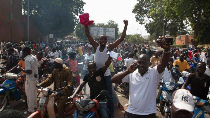 Burkina Faso: Zehntausend Stimmen gegen den Präsidenten