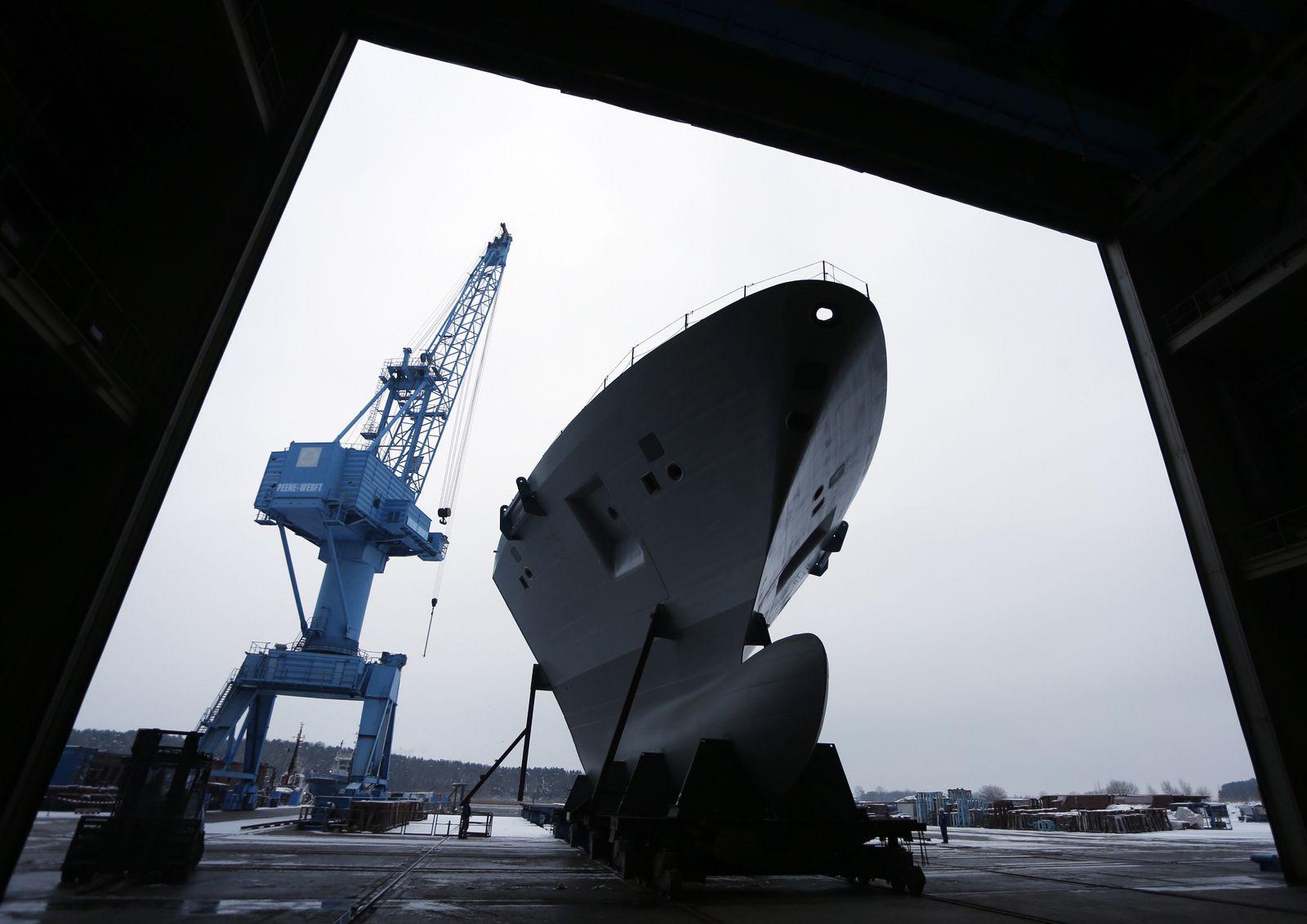 NICHT VERWENDEN Vorschiff-Modul fuer die Fregatte F-125 Peene-Werft